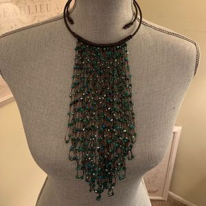 Like new beautiful teal glass bead necklace